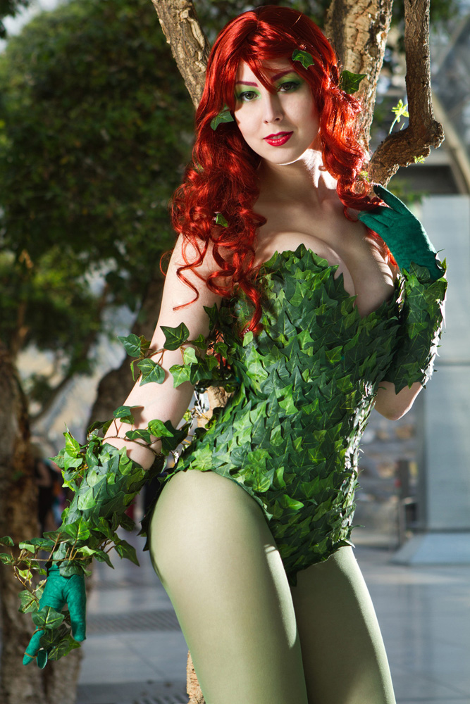 Naraku Brock  Poison Ivy from Batman CosplayPoison Ivy Batman