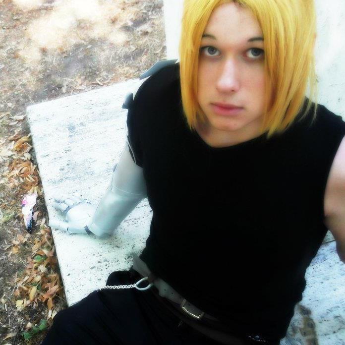 Otaku House Cosplay Idol » Yuri Novikov: Edward Elric From
