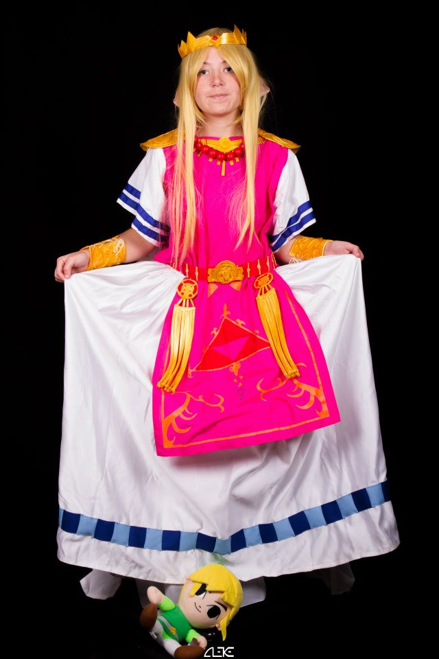 Zelda cosplay if link was a girl - 2 7