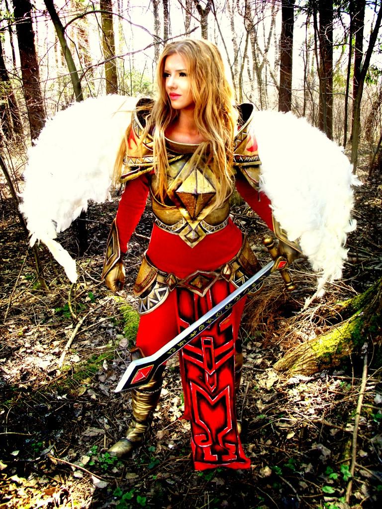 Otaku House Cosplay Idol » Felan cosplay: Unmasked Kayle from League ...