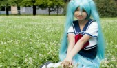 hatsune_miku_school_uniform_by_thingstarucosplay-d69z9sp