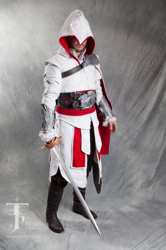 Ezio Auditore Brotherhood Costume